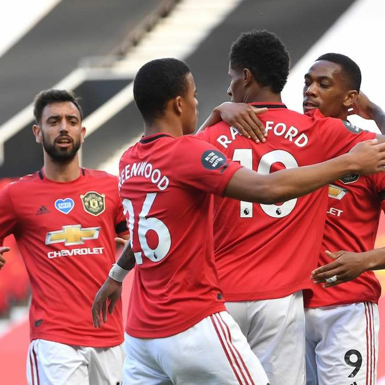 Pompézny nástup United po návrate futbalu
