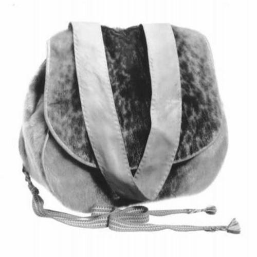 6. Norpannahkainen laukku