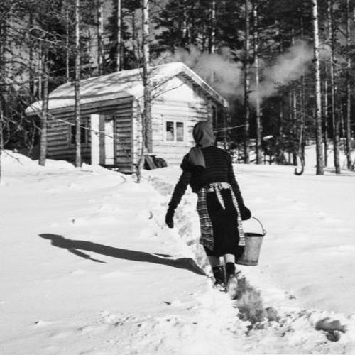 9. Koulumatkalle venekyydillä tai hiihtäen