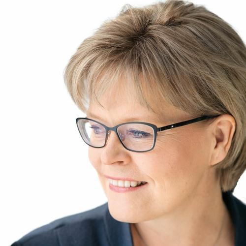Kansanedustaja Sari Tanus jättää lakialoitteen  eturauhassyöpäseulonnoista.