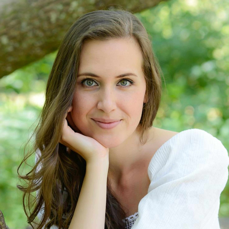 Explorez l'univers de la chanteuse Quebecoise Viky De Witte