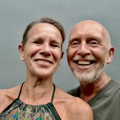 De weg naar Innerlijke vrijheid met locatie-onafhankelijke ondernemers Briant en Jaldhara