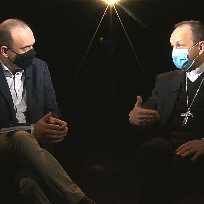 .blížni s biskupom Haľkom: Ako plnohodnotne prežívať veľkonočné sviatky