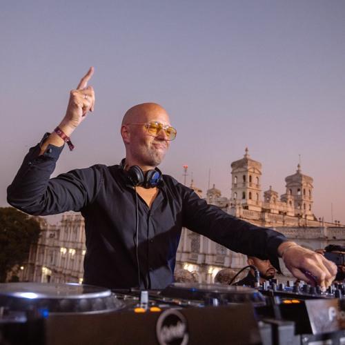 Live DJ Sets by HOSH