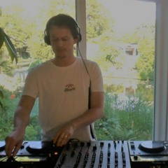 HAUSPLANT Livestream from Paradise - Thym Flies by the Water Mix