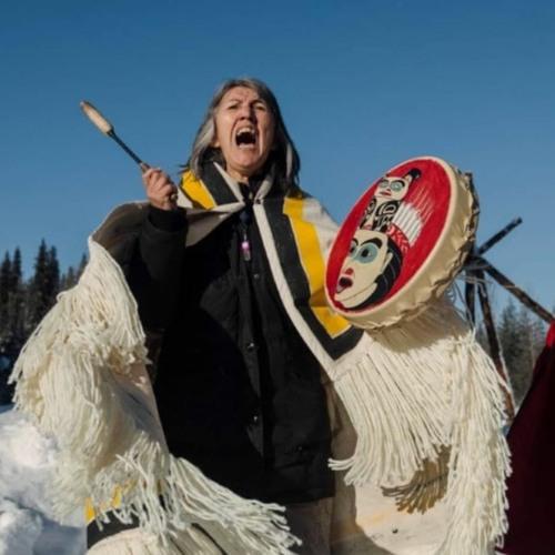 La policía federal de Canadá reprime indígenas que se oponen a la construcción de un gasoducto