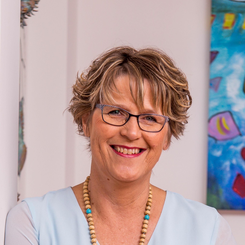 Meet the Author - Tricia Stringer