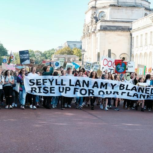 Dyfodol Gwell Cymru: Trechu newid yr hinsawdd | Better Futures Wales: Tackling climate change