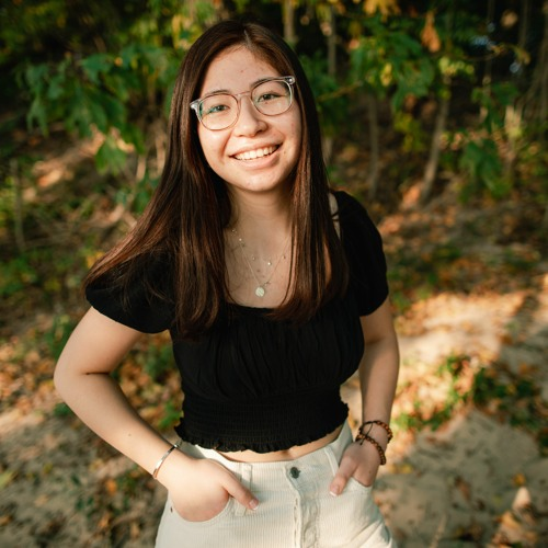 240-- A New Perspective with Online Learning, Angela Tran, Grand Haven