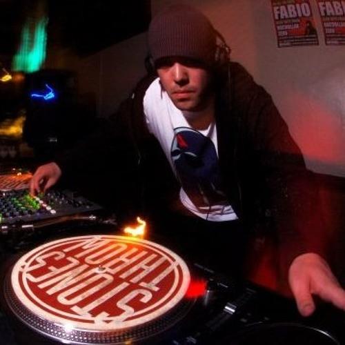T-DJ / T'sMyth's avatar