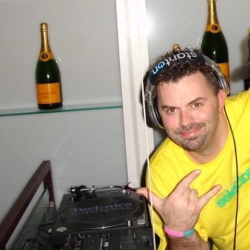 Dj Fever's avatar