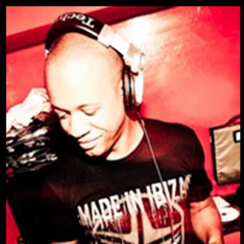 DJ Lewi's avatar
