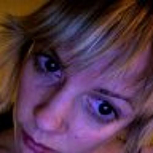 lisa fabian's avatar