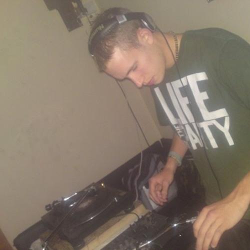 DJ TSR's avatar