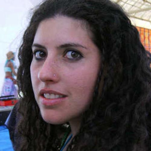 Renata Estevez's avatar