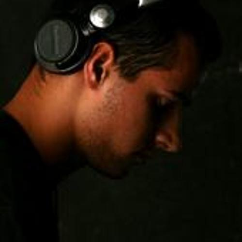 Leandro Fracaroli's avatar