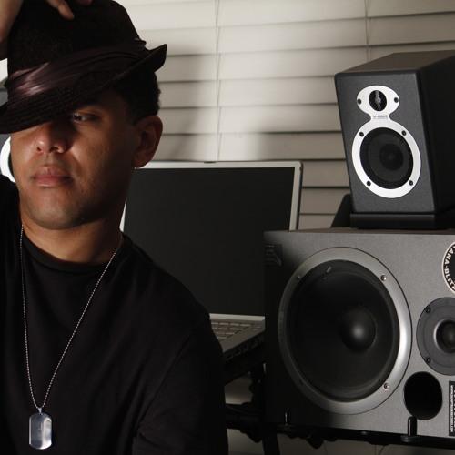 DJ Rylo's avatar