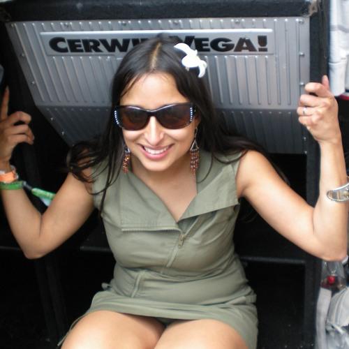 yasmeena's avatar