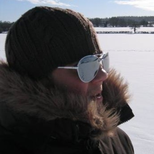 Binocular's avatar