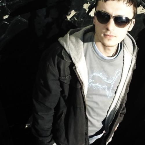 AndrewKusto's avatar