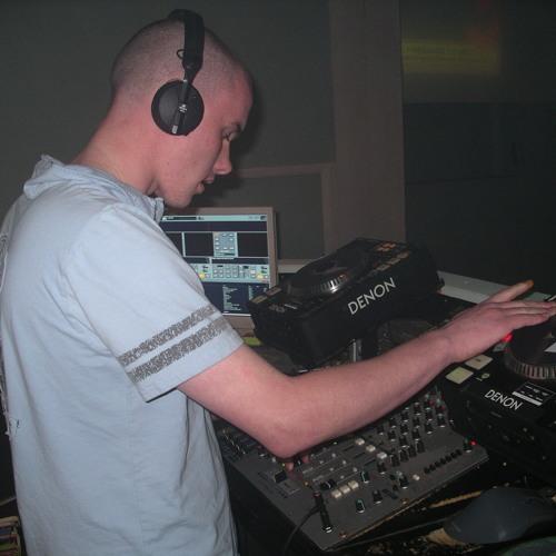 DJBazzelbean's avatar