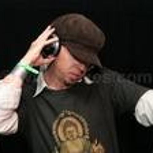 Alan B's avatar