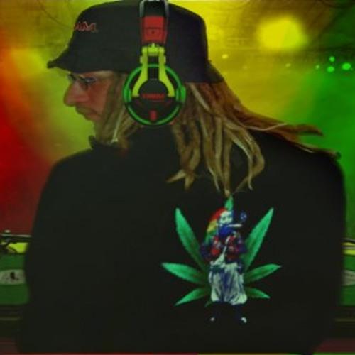 Love Is Wicked Remix - Brick and Lace ft. Wayne wonder (Hold Ya Easy Riddim)