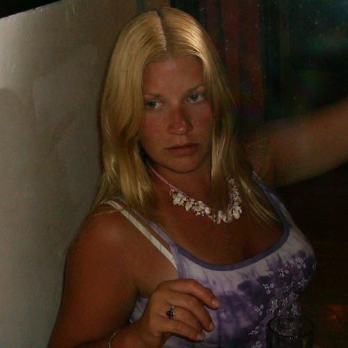 Laura S's avatar