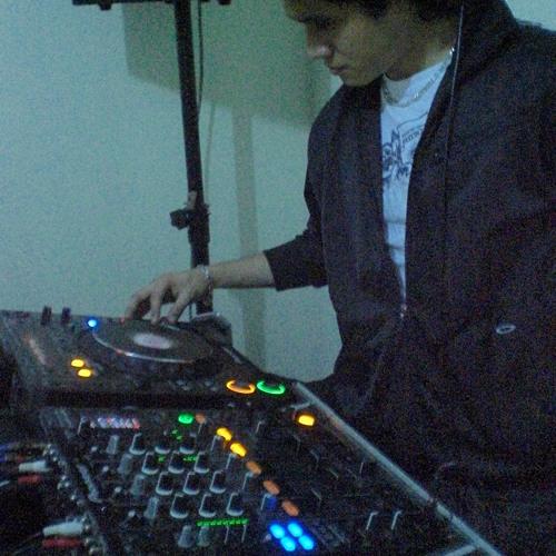 LuisCarlos Paredes's avatar