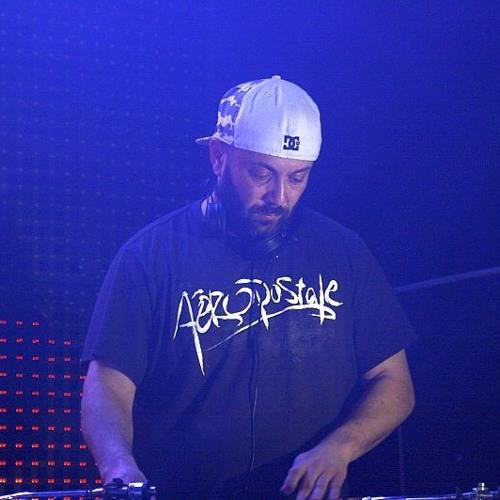DJ Wiz's avatar
