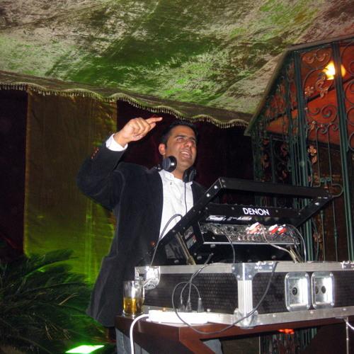 DJ KhAnVikT's avatar