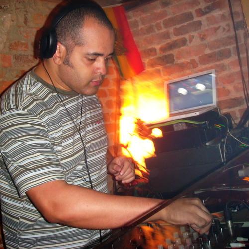 GustavoMagoo's avatar