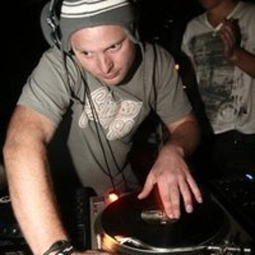DJ CHALKY's avatar