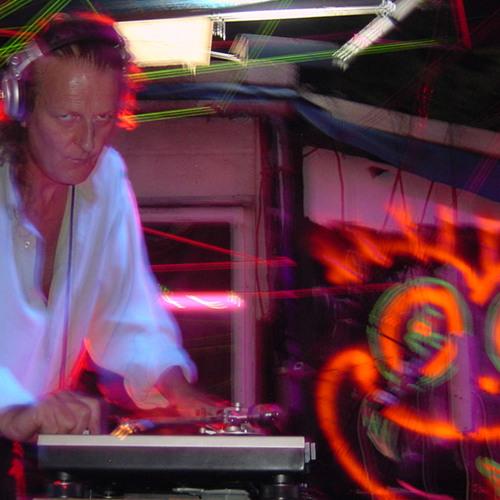 Mick Clark's avatar