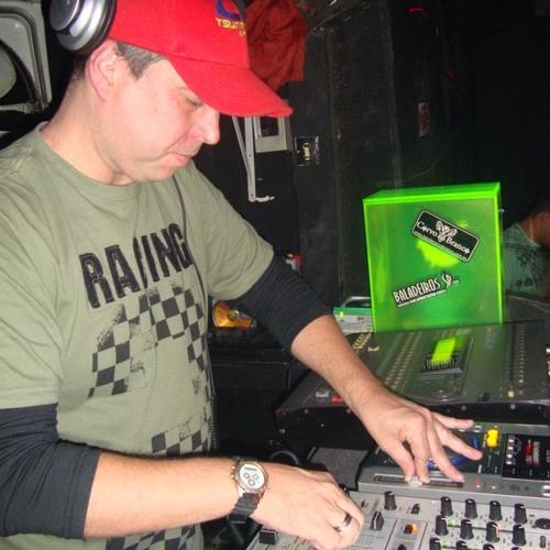 DJ Cesar Guimarães's avatar