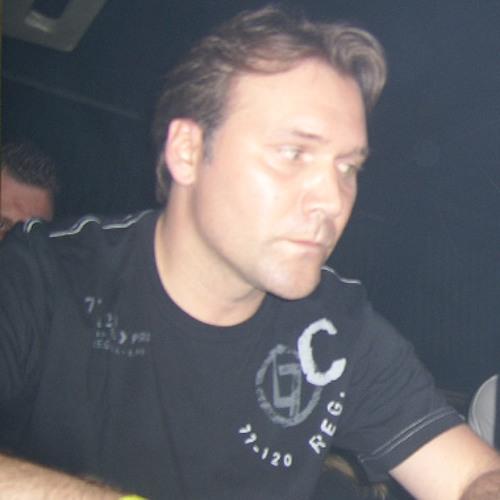 Guss Carver's avatar
