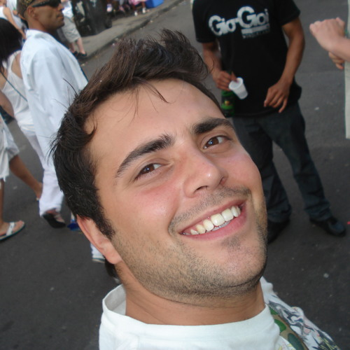 alextphillips's avatar