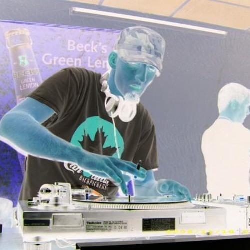 DJ_N-dee's avatar