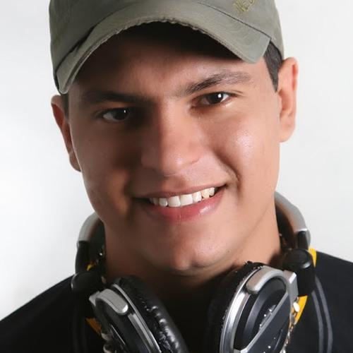 djnandomiatelo's avatar