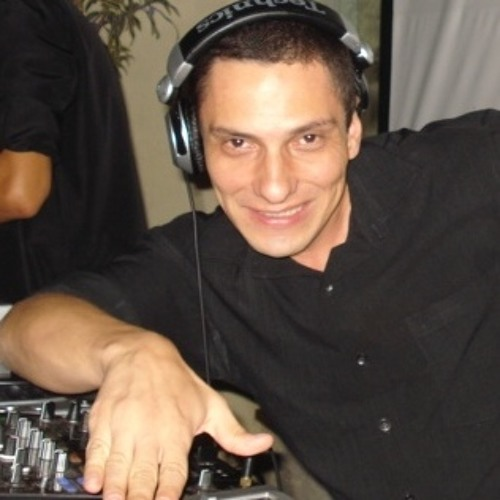 DJ Fabio Guimarães's avatar