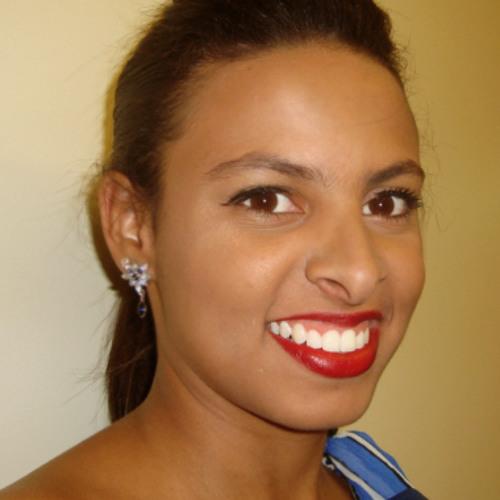 Isadora Montenegro's avatar