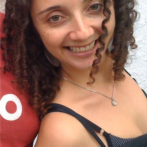 Dri Moura's avatar