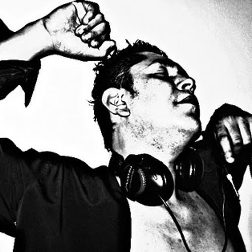 DJ BUMM's avatar