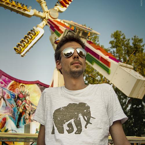 Mik Maroo's avatar