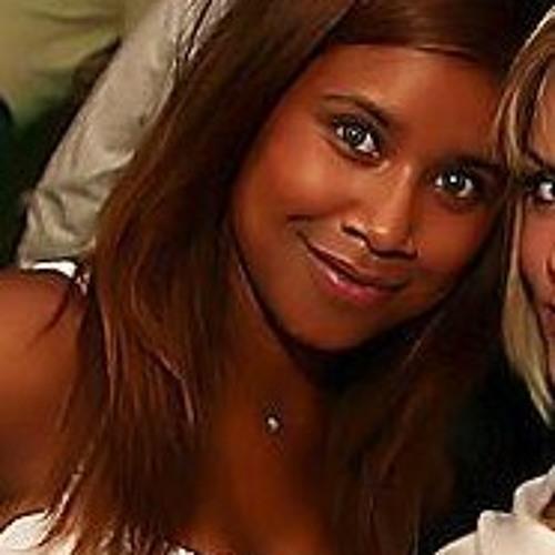 LuanaGomes's avatar