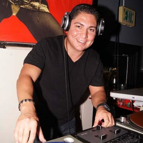 DJ ESCAL8's avatar
