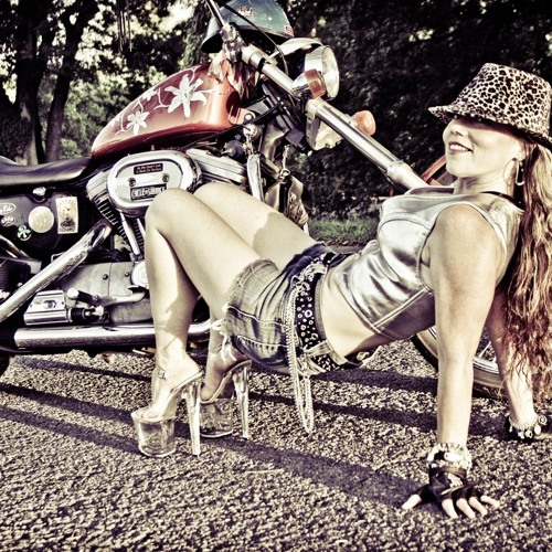 Chrome Cowgirl's avatar