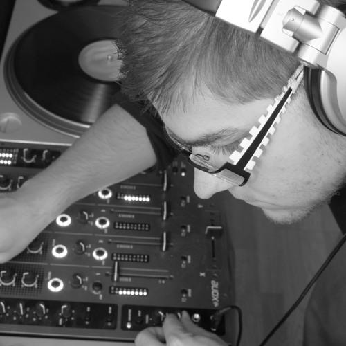 Mira Voborsky aka DJ MOO's avatar