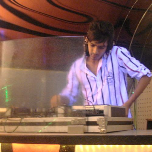 DJ VACKY's avatar