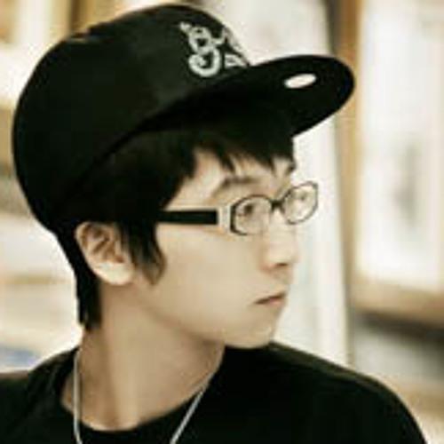 HJ Kim's avatar